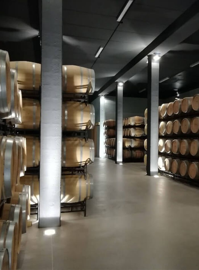 bodegas taron vinos la rioja barricas 03